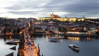 Prague_with_bridge